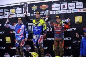 gli-internazionali-ditalia-di-motocross-si-chiudono-in-lombardia-con-il-trionfo-degli-pneumatici-pirelli-scorpion-mx32-mx1-podium
