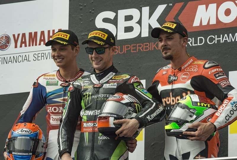 108398-race2_podium