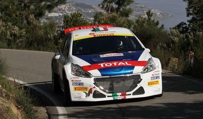 Paolo-Andreucci-su-Peugeot-208-T16-R5-R