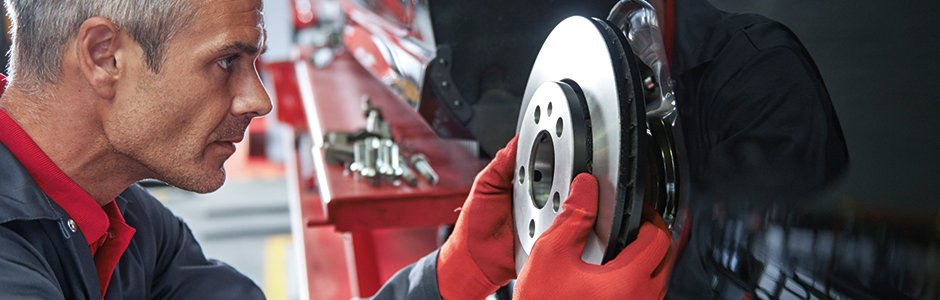 940x300px-installing-brake-disc