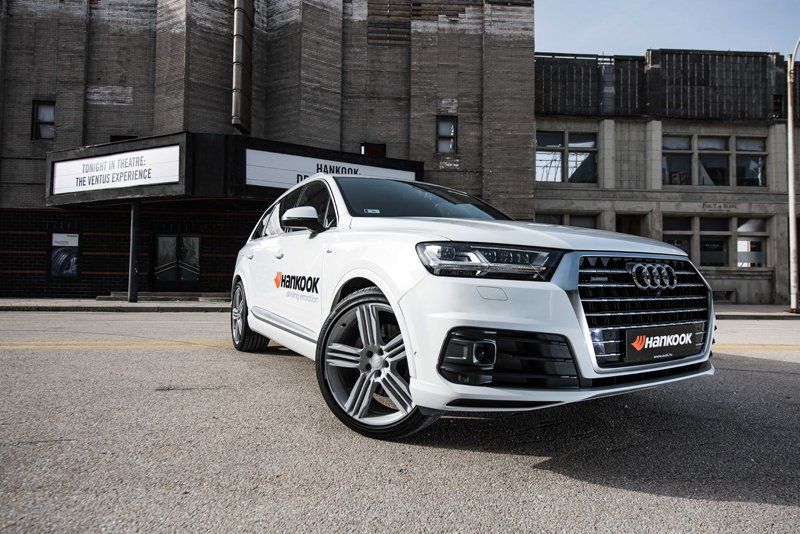 Hankook's new 'sound absorber' will be applied to its flagship tyre Hankook Ventus S1 evo² SUV for the first time ever and shall be applied as a factory fitment in the 22 inch on the Audi Q7 model range including the all new Audi SQ7 TDI.